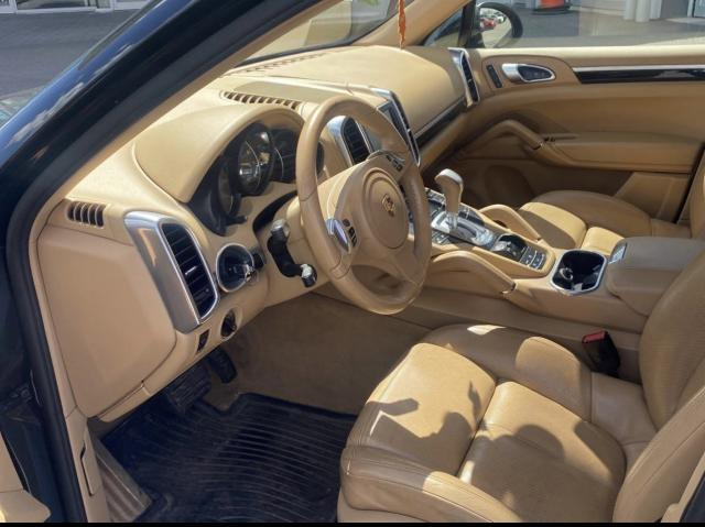 2012 Porsche Cayenne Premium  Navigation/Sunroof/Camera Photo2