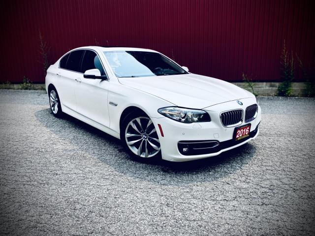 2016 BMW 5 Series 528i xDrive, Navigation, Sunroof
