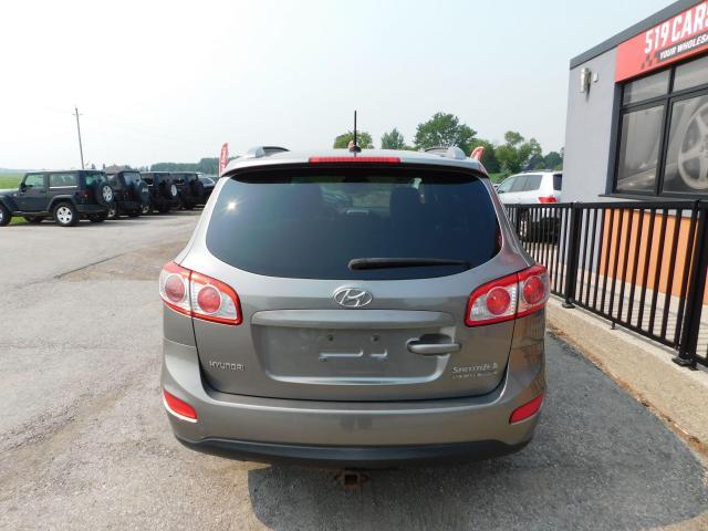 2011 Hyundai Santa Fe GLS   Sunroof   Heated Seats