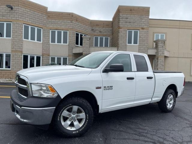 2014 RAM 1500 4WD GREAT CONDITION.