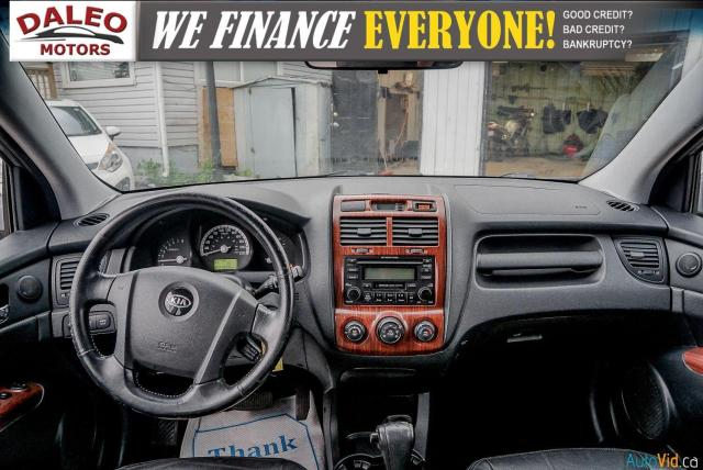 2005 Kia Sportage EX / LEATHER / SUNROOF / COMES FULLY CERTIFIED / Photo12