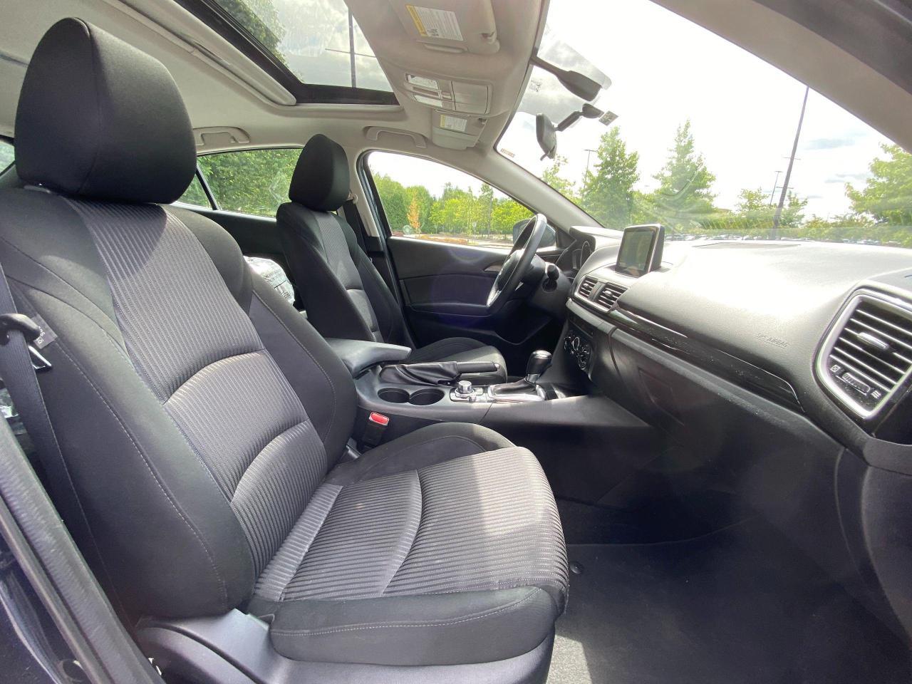 2015 Mazda MAZDA3  Photo12