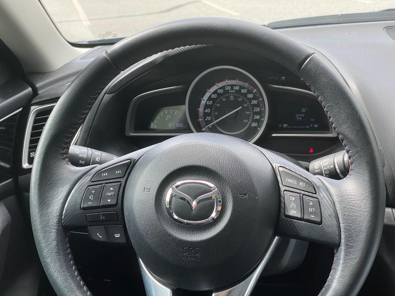 2015 Mazda MAZDA3  Photo14
