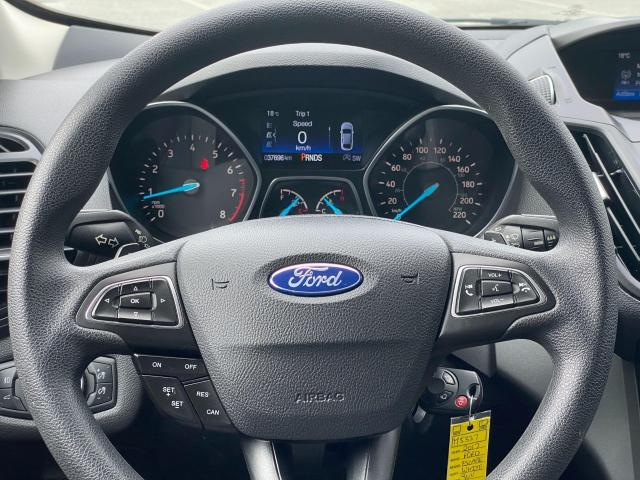 2017 Ford Escape SE Photo12
