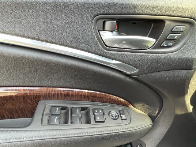 2017 Acura MDX Navigation/Sunroof /Camera/7 Pass Photo17