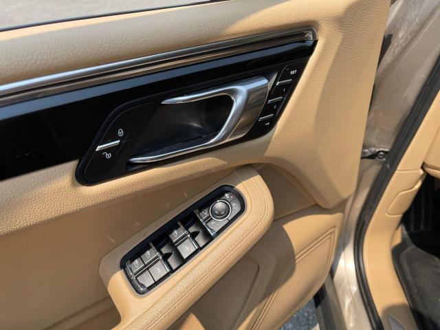 2015 Porsche Macan S AWD Navigation/Sunroof/Leather Photo13