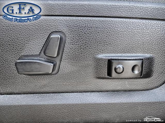 2019 RAM 1500 SLT CREW CAB, MOON ROOF, 4WD, BACKUP CAMERA, NAVI Photo10