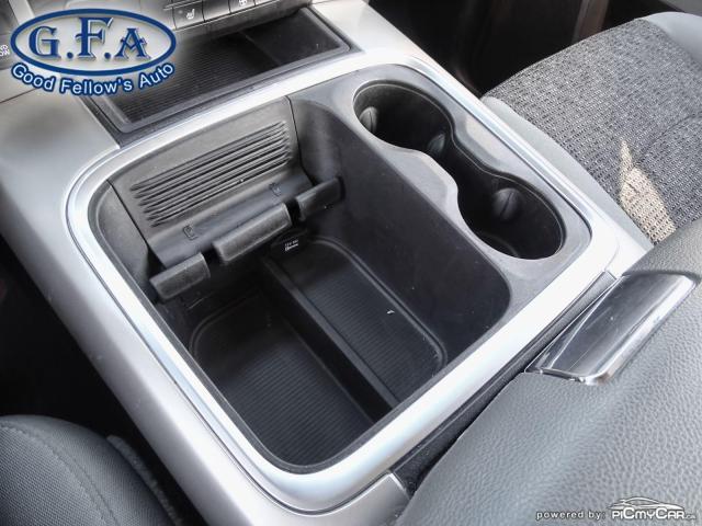 2019 RAM 1500 SLT CREW CAB, MOON ROOF, 4WD, BACKUP CAMERA, NAVI Photo16