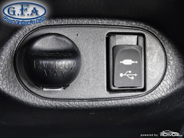 2018 Toyota Yaris SE MODEL, REARVIEW CAMERA, HEATED SEATS, BLUETOOTH Photo15