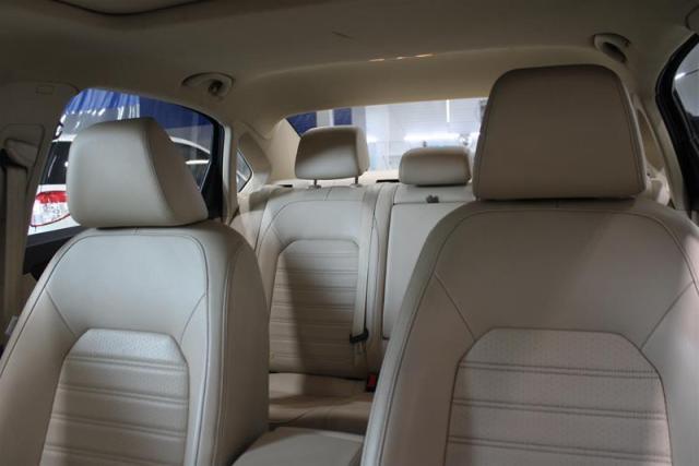 2014 Volkswagen Passat Comfortline 1.8T 6sp at Tip