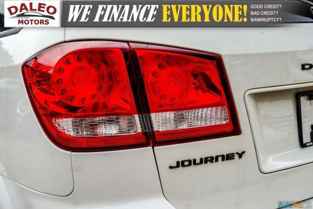 2011 Dodge Journey SXT / 7 PASSENGERS /  USB INPUTS / Photo10