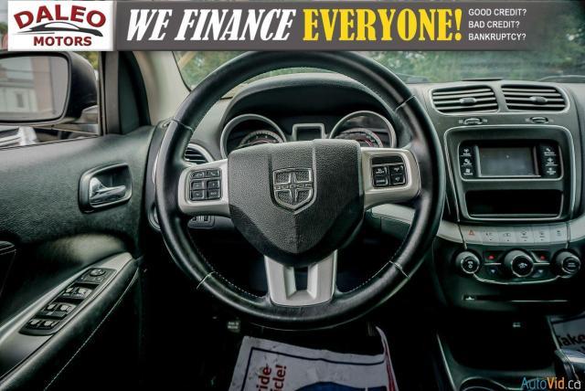 2011 Dodge Journey SXT / 7 PASSENGERS /  USB INPUTS / Photo16