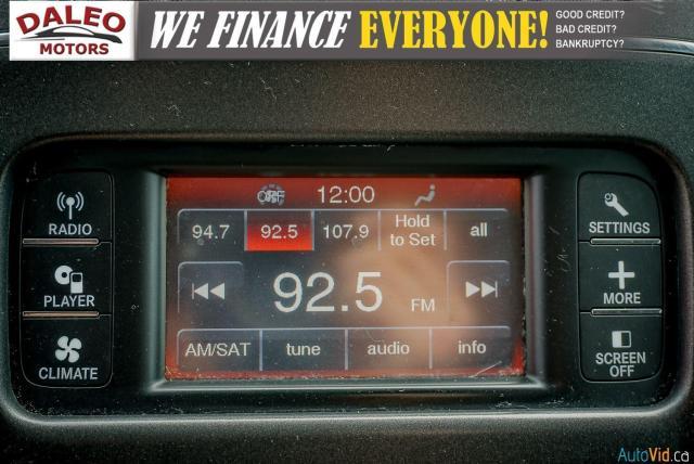 2011 Dodge Journey SXT / 7 PASSENGERS /  USB INPUTS / Photo25
