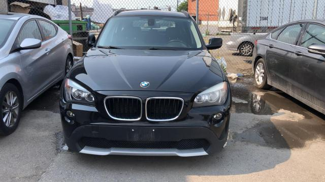 2012 BMW X1 AWD, LEATHER SEATS, 2.0L (AS IS. Needs an Engine ) Photo2