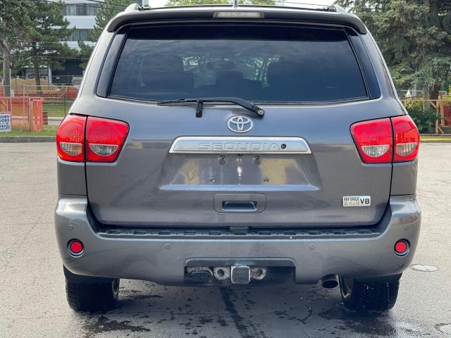 2013 Toyota Sequoia Limited Navigation/Sunroof/DVD/8Pass Photo4