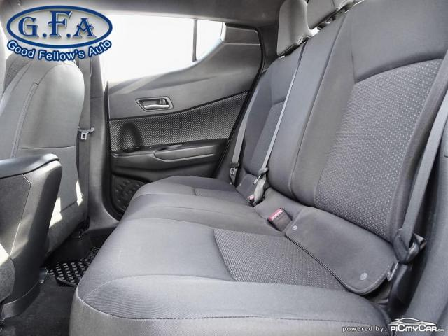 2018 Toyota C-HR XLE MODEL, BACKUP CAMERA, HEATED SEATS, KEYLESS GO Photo8