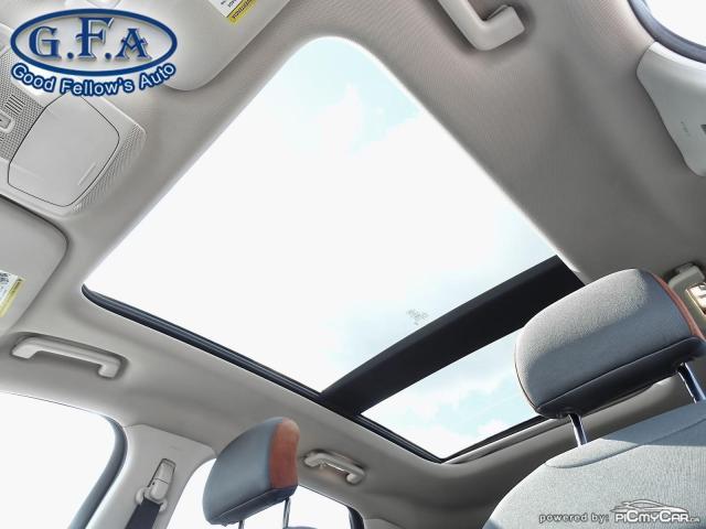 2018 Ford Edge SEL MODEL, AWD, REARVIEW CAMERA, PAN ROOF, NAVI Photo7