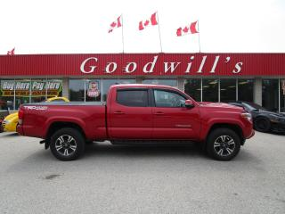 Used 2016 Toyota Tacoma SR5 TRD! HEATED CLOTH! 4X4! for sale in Aylmer, ON