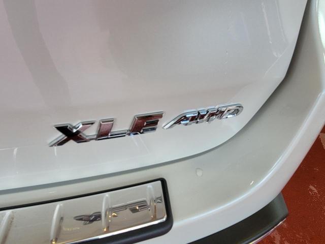 2019 Toyota Highlander XLE AWD Photo9