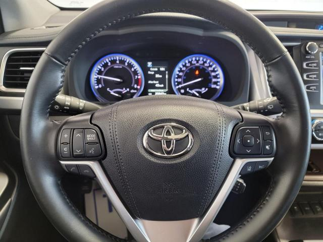 2019 Toyota Highlander XLE AWD Photo12