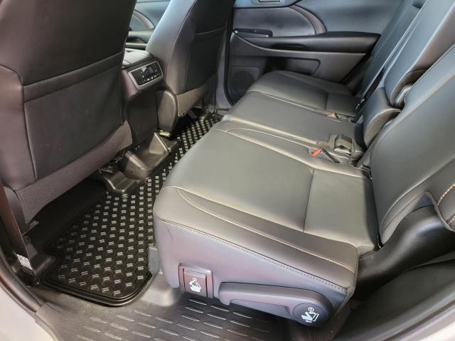 2019 Toyota Highlander XLE AWD Photo22