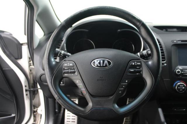 2016 Kia Forte (4) SX