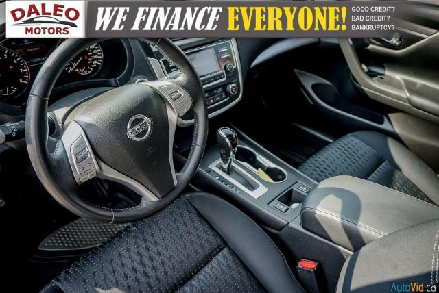 2016 Nissan Altima SV / KEYLESS START / BUCKET SEATS / LOW KMS Photo24