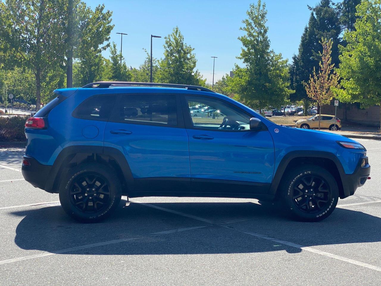 2017 Jeep Cherokee Trailhawk Photo8