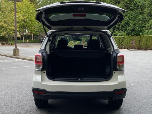 2017 Subaru Forester i Touring Photo4