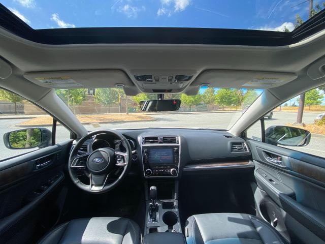 2018 Subaru Outback LIMITED Photo19