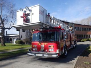 Used 1990 Federal Motors Cage Lift Firetruck Air Brakes Diesel for sale in Burnaby, BC