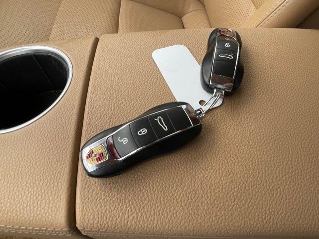 2013 Porsche Panamera 4 AWD NAVIGATION,SUNROOF,REAR VIEW CAMERA, BLIND SPOT Photo16