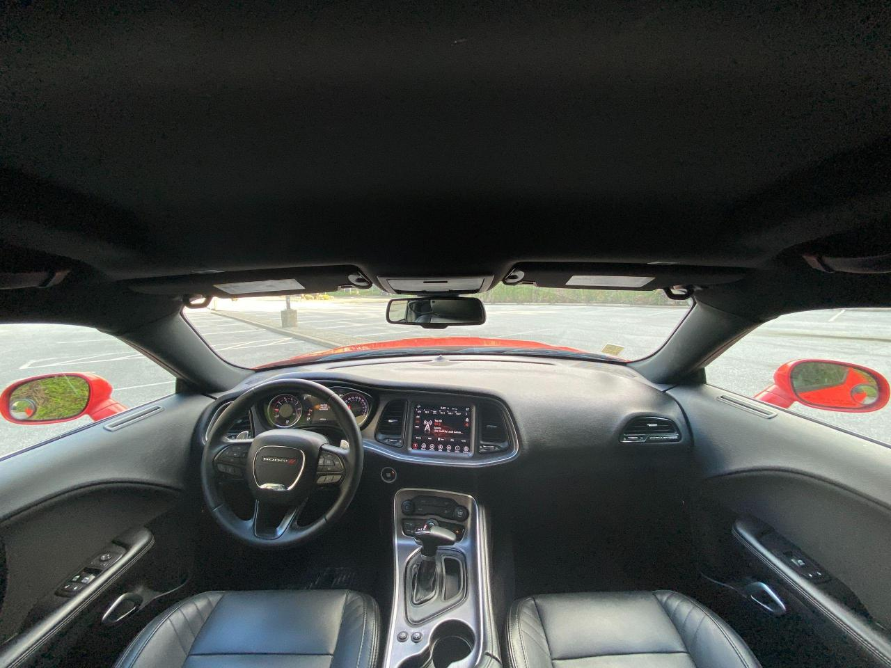 2017 Dodge Challenger SXT Photo11