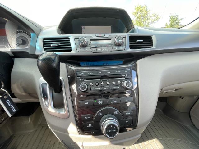 2011 Honda Odyssey Touring Navigation/DVD/Sunroof/8Passs Photo14