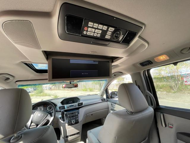 2011 Honda Odyssey Touring Navigation/DVD/Sunroof/8Passs Photo12