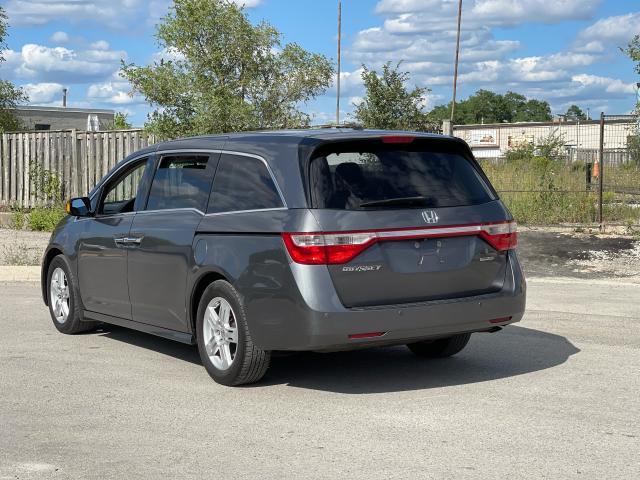 2011 Honda Odyssey Touring Navigation/DVD/Sunroof/8Passs Photo3