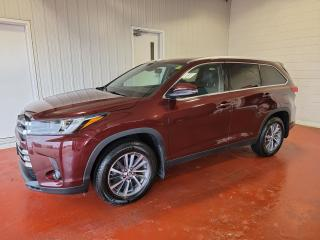 Used 2019 Toyota Highlander XLE AWD for sale in Pembroke, ON