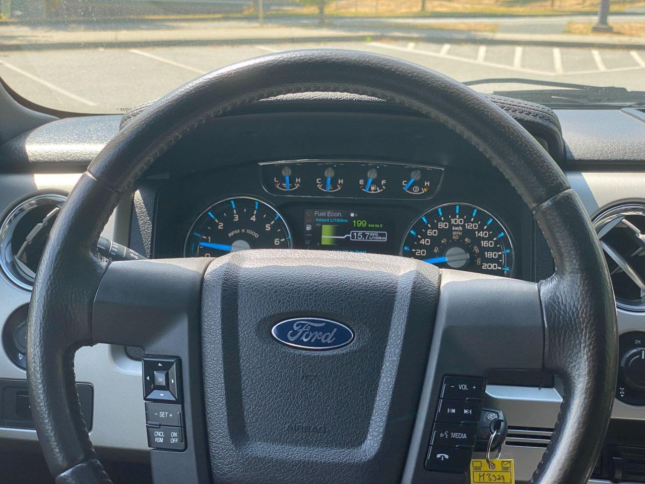 2014 Ford F-150 Lariat Photo14