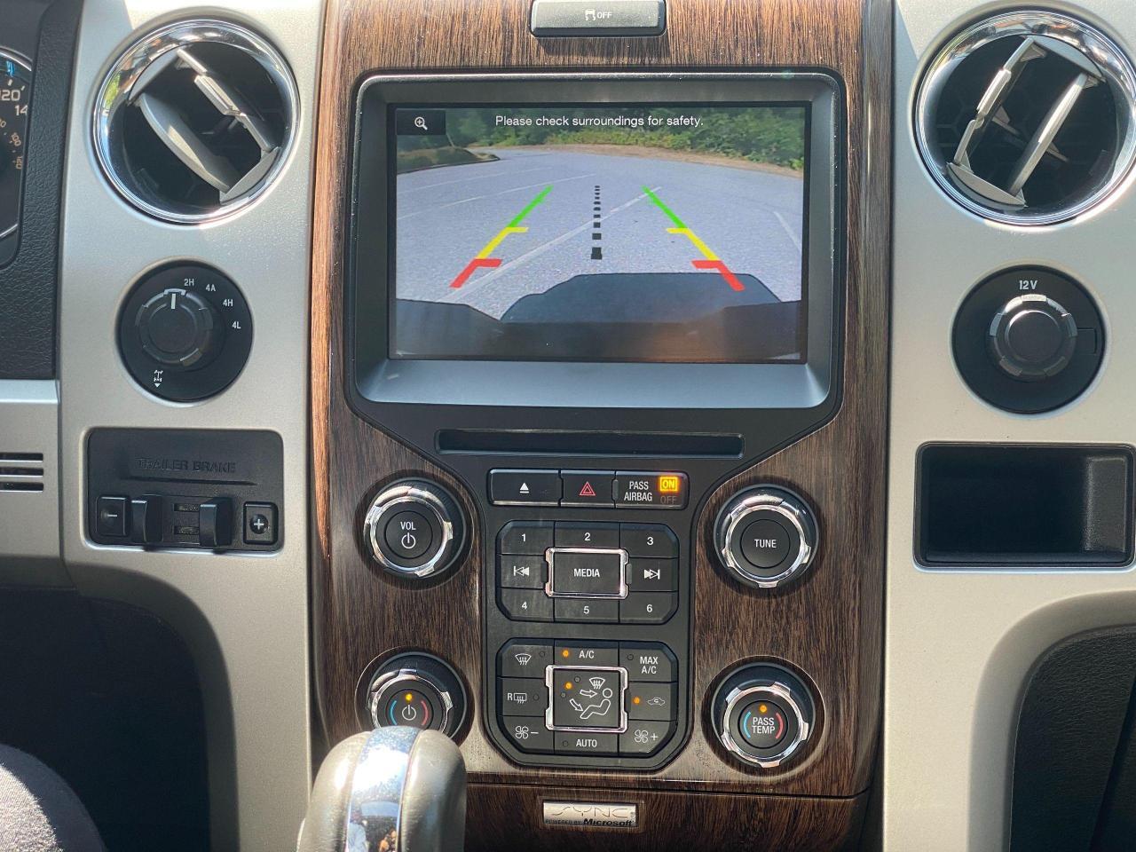 2014 Ford F-150 Lariat Photo23