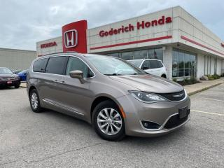 Used 2017 Chrysler Pacifica Touring-L for sale in Goderich, ON