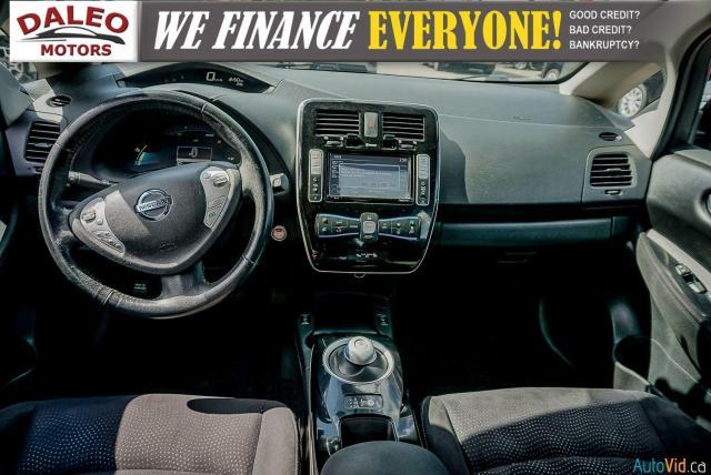 2015 Nissan Leaf SV / HEATED FRONT & REAR SEATS / NAVI / BACKUP CAM Photo12