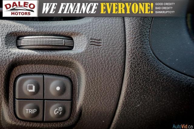 2015 Nissan Leaf SV / HEATED FRONT & REAR SEATS / NAVI / BACKUP CAM Photo18