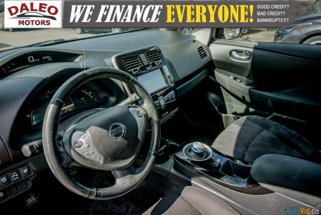 2015 Nissan Leaf SV / HEATED FRONT & REAR SEATS / NAVI / BACKUP CAM Photo19