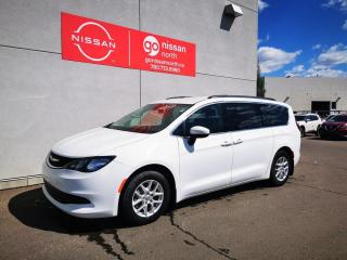 Used 2018 Chrysler Pacifica Touring / Loaded / Used Chrysler Dealership for sale in Edmonton, AB