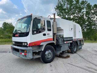 Used 2004 GMC T7500 STREET SWEEPER for sale in Brantford, ON