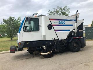 Used 2000 GMC T7500 SWEEPER for sale in Brantford, ON