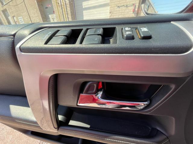 2014 Toyota 4Runner SR5 Navigation/Sunroof/7 Pass/Leather Photo16