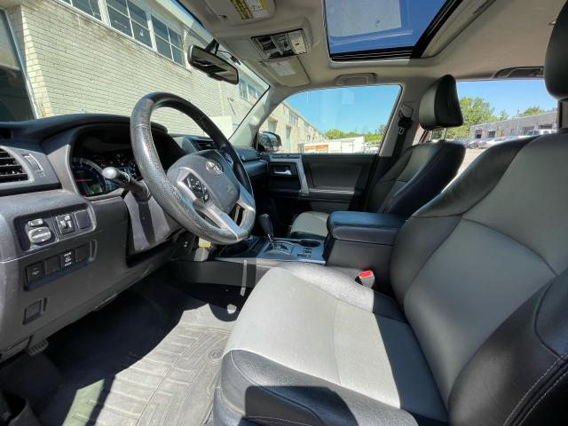 2014 Toyota 4Runner SR5 Navigation/Sunroof/7 Pass/Leather Photo10
