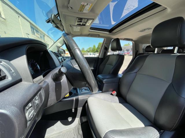 2014 Toyota 4Runner SR5 Navigation/Sunroof/7 Pass/Leather Photo9