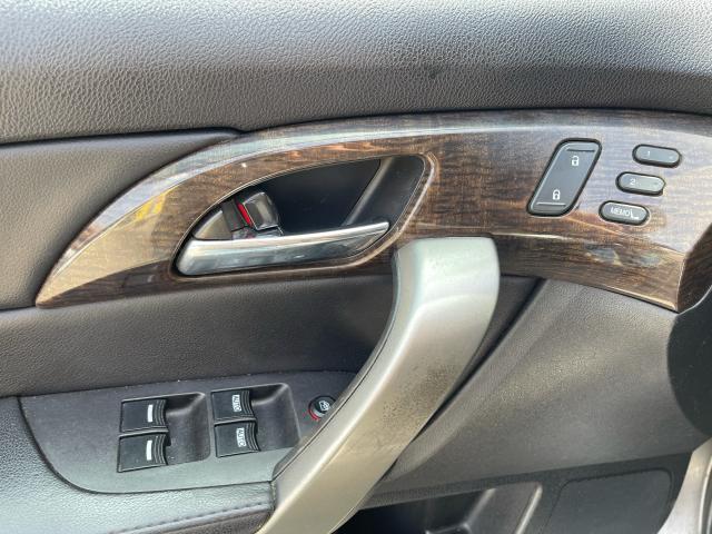 2010 Acura MDX Tech Pkg Navigation/DVD//Sunroof/7 Pass Photo17